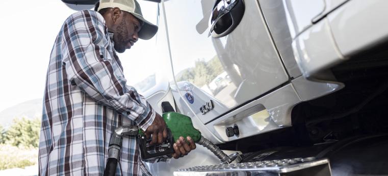 La relación entre una mala conducción y el uso del combustible en tu empresa
